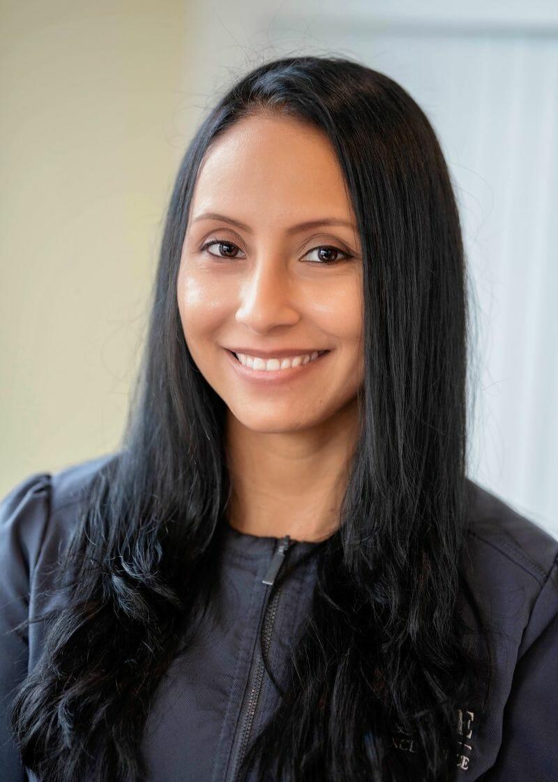 lina dental assistant